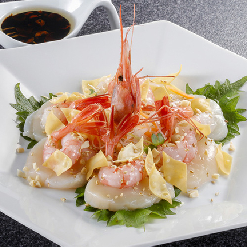Chinese style sashimi with scallops and shrimps