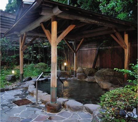 One of Konoyu's covered pagoda-styled outdoor baths
